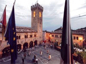 piazza_Montelupone