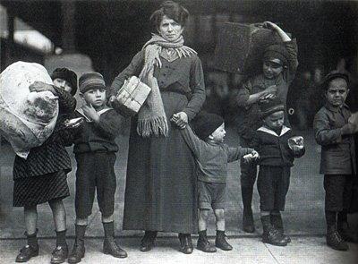 Emigranti-sbarcati-2