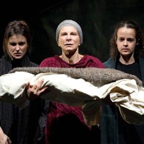 Le troiane. Frammenti di tragedia. TeatroMarche.
