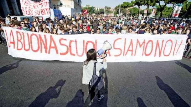 700_dettaglio2_manifestazione-studenti