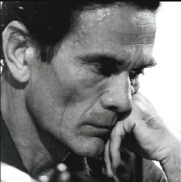 Pier Paolo Pasolini in uno scatto di S. Becchetti