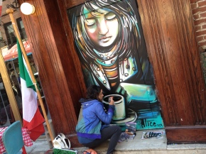 aLICE pASQUINI. sTREET aRT wOMAN.